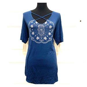 Torrid Size 2 Dark Teal Medallion Super Soft Shirt
